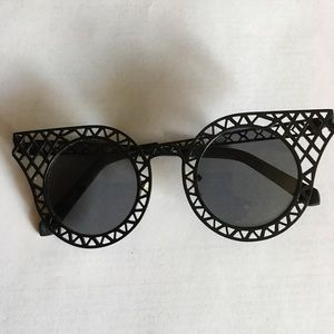 Cagefighters round-frame latticed metal sunglasses